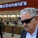 Sorprenden a Pepe Mujica en un McDonald's