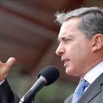 Uribe se somete a una cirugía para cambiar la mano izquierda por una derecha