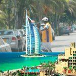 Dubai se está llevando a los cuidacarros del país