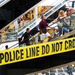 Doce colombianos varados en escalera eléctrica