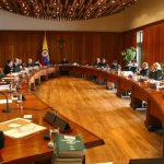 Corte Constitucional protege derecho al trabajo de Álvaro Uribe y se opone a la paz