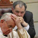 Por perdonar abortos, Procurador anuncia investigación al Papa