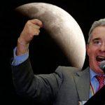 «Nada de eclipse, atentado de la Far dejó sin luz a la luna», denuncia Uribe