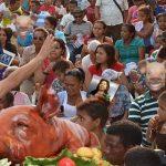 ¡Milagro! candidato pastor del MIRA multiplicó dos lechonas en jornada política