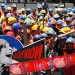 Obreros amenazan con paro por posible prohibición del salchichón