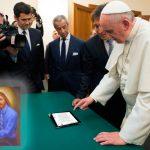 Papa recibió email de Dios con mandamientos actualizados