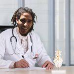 Jíbaros se gradúan de médicos