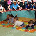 Denuncian oscura red de carreras ilegales de bebés