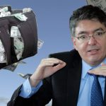 Minhacienda pide a corruptos «al menos gastar la plata dentro del país»