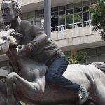 Procuraduría ordenó vestir Bolívar desnudo de Pereira