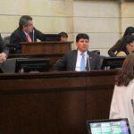Intérpretes de lenguaje de señas piden medio tiempo en Senado