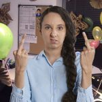 Asistente ejecutiva se ofende porque le celebraron el día de la secretaria