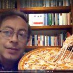 Revelan polémico video de Petro comiendo pizza hawaiana