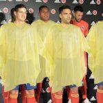 Adidas encimará poncho para tapar camiseta de la Selección